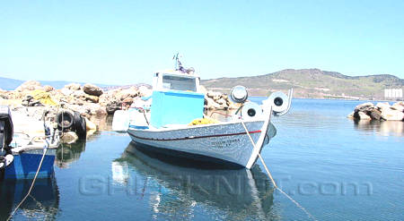 The picturesque fishing port of Avlaki, between Petra and Anaxos